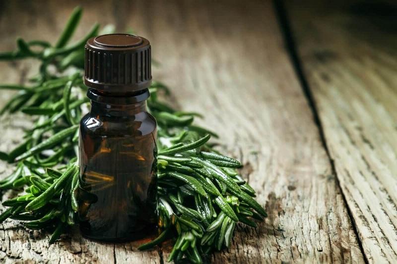 Tea tree oil for dandruff free hair